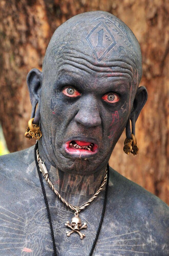 Il neozelandese Lucky Diamond Rich, che nel 2006 è entrato nel Guinness dei primati come l'uomo più tatuato del mondo