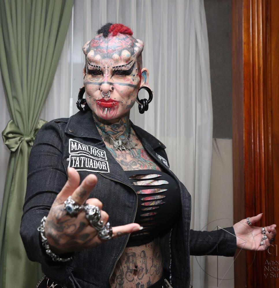 L'imprenditrice, avvocato e tatuatrice messicana María José Cristerna Méndez, conosciuta anche come La donna vampiro