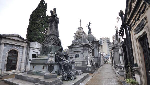 Un cimitero in Argentina - Sputnik Italia