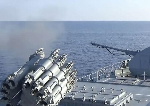 Le esercitazioni congiunte della Marina militare e delle Forze aerospaziali della Russia