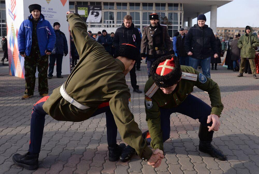 I cosacchi al Festival La mia Russia a Krasnoyarsk.