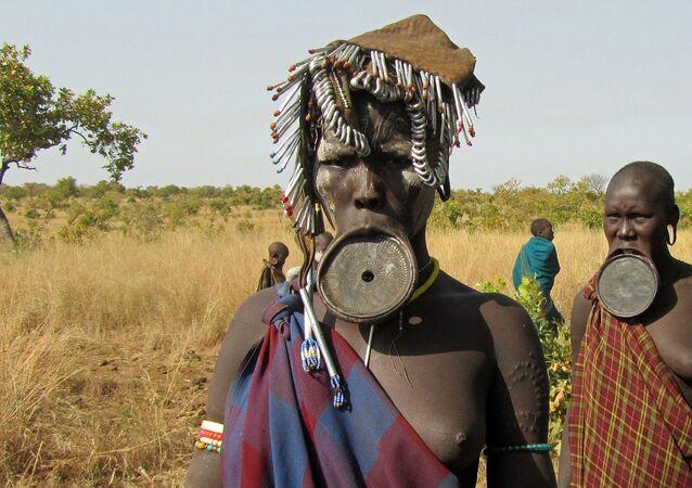 Tribù dei Mursi - Etiopia