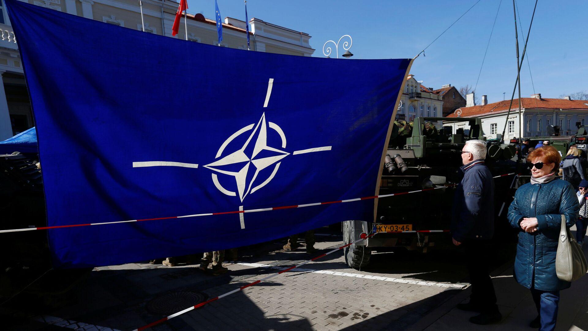 Bandiera della NATO in Lituania - Sputnik Italia, 1920, 07.09.2021
