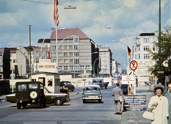 Giugno 1968, il famoso checkpoint Charlie. - Sputnik Italia