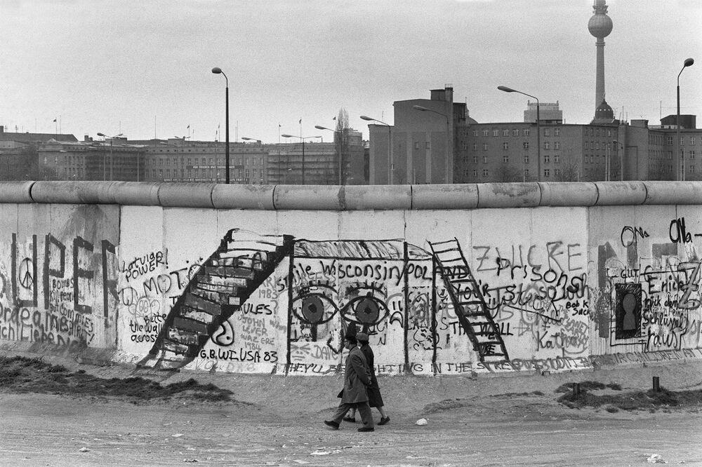 Muro di Berlino da Berlino Ovest negli anni '80