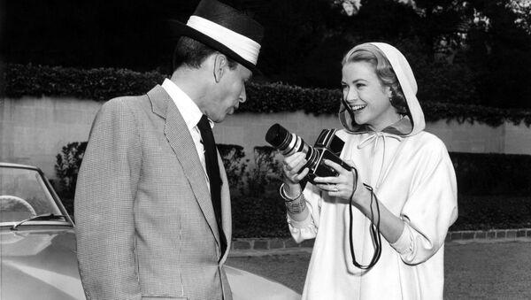 Grace Kelly e Frank Sinatra - Sputnik Italia