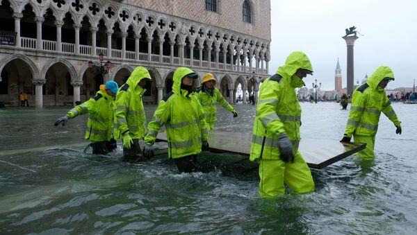 Piazza San Marco sommersa dall'acqua alta  - Sputnik Italia