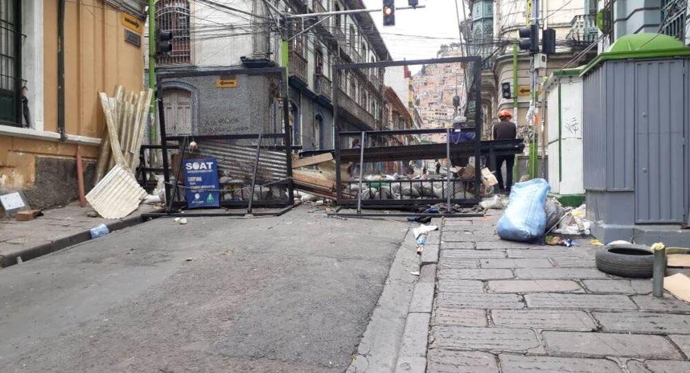 Barricate in una strada di La Paz