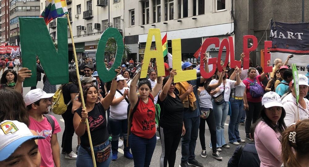 Manifestazione No al Golpe a Buenos Aires