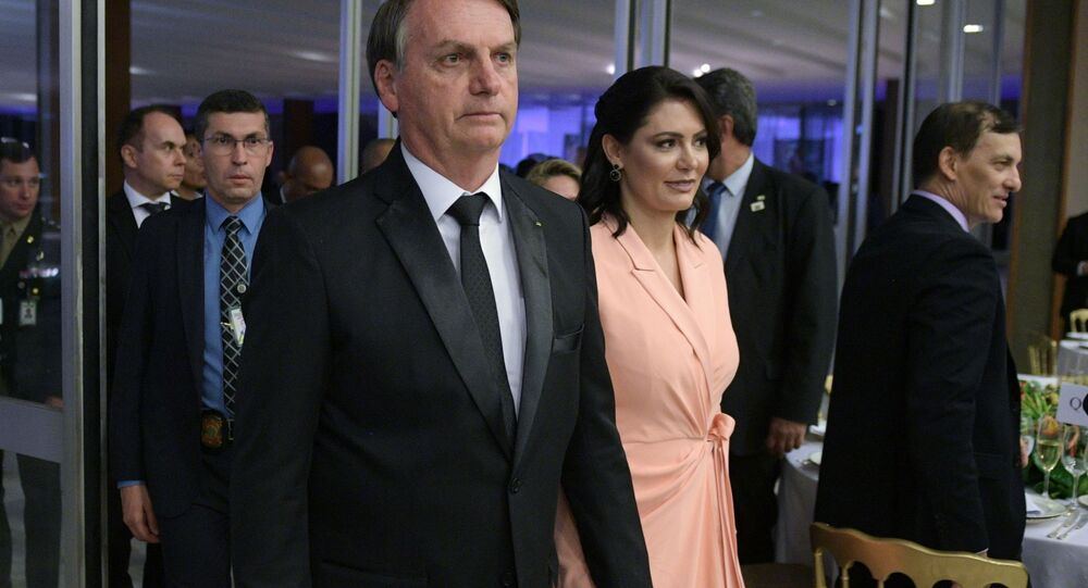 Il presidente del Brasile Jair Bolsonaro con la moglie Michelle