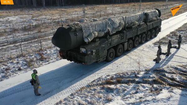 Russia, testate le più recenti macchine per trattamento termico missili - Sputnik Italia