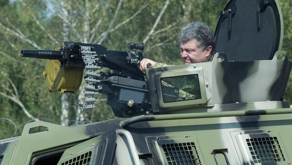 Petr Poroshenko in visita a base della Guardia Nazionale - Sputnik Italia