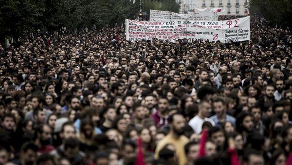 Πορεία για την 46η επέτειο της εξέγερσης του Πολυτεχνείου, στην Αθήνα, στις 17 Νοεμβρίου 2019. - Sputnik Italia
