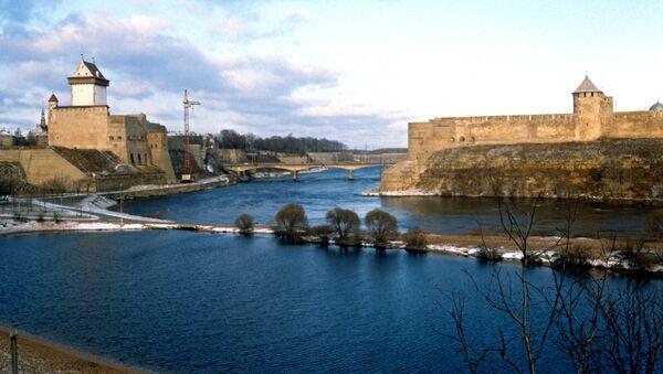 Il Ponte dell'amicizia al confine tra Estonia e Russia - Sputnik Italia
