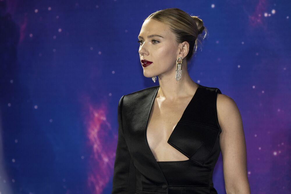 L'attrice Scarlett Johansson all'arrivo ad un evento per i fan del film Avengers: Endgame'', Londra, il 10 aprile 2019