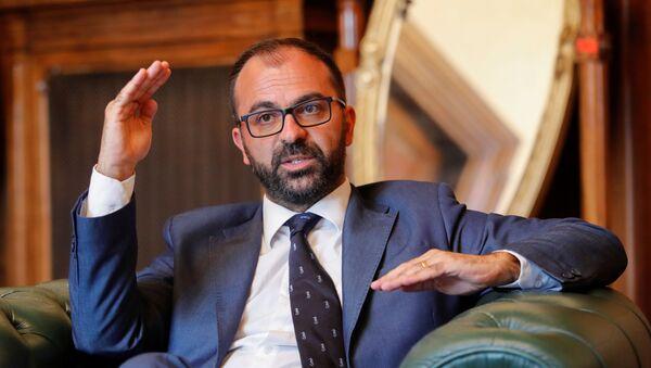 Il ministro dell'Istruzione Lorenzo Fioramonti - Sputnik Italia
