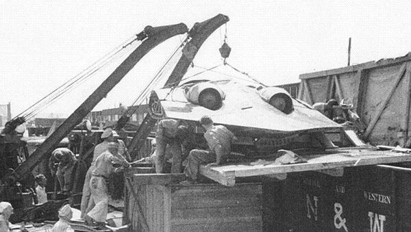 Horten Ho 229 being unloaded after making it into the hands of the US military. - Sputnik Italia