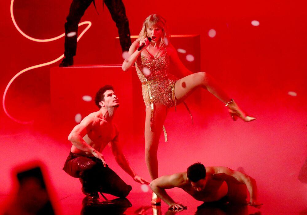 Taylor Swift agli American Music Awards 2019, il 24 novembre 2019, Los Angeles