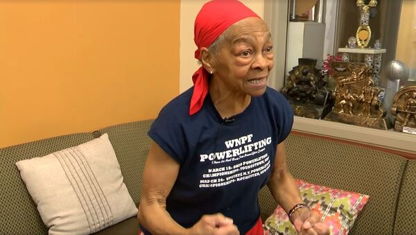 Willie Murphy, nonna-bodybuilder di 82 anni - Sputnik Italia