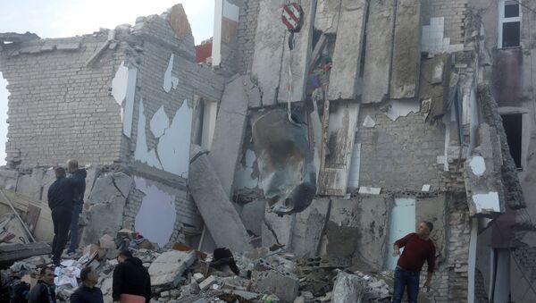 Le conseguenze di un devastane terremoto vicino Tirana, Albania (26.11.2019) - Sputnik Italia