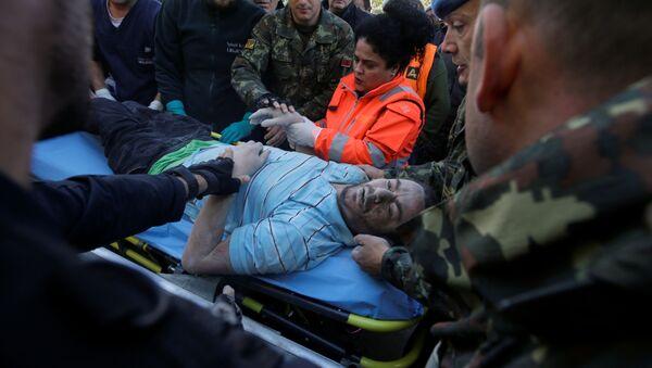 Пострадавший в результате землетрясения в Албании - Sputnik Italia