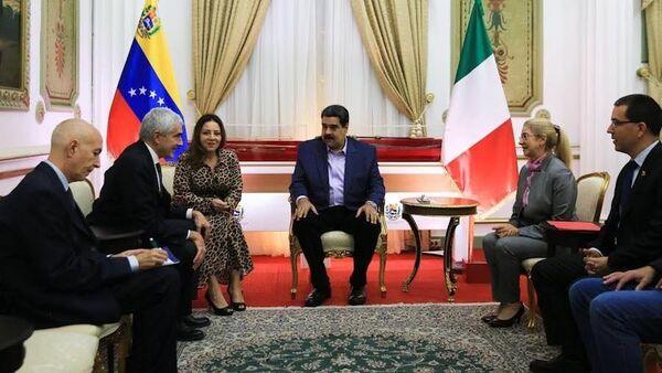 Incontro Maduro con Casini - Sputnik Italia