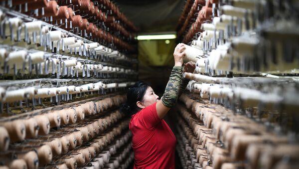 Una manifattura tessile in Cina - Sputnik Italia