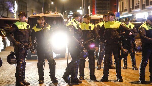 Polizia olandese - Sputnik Italia