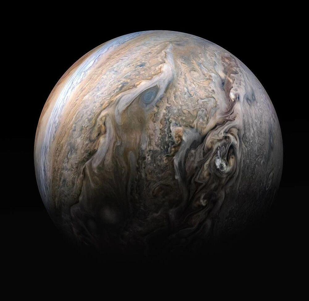 Questa straordinaria immagine di Giove è stata ripresa dall'astronave della NASA