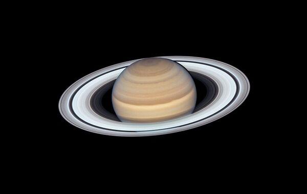 Saturno ripreso dal telescopio orbitale Hubble - Sputnik Italia