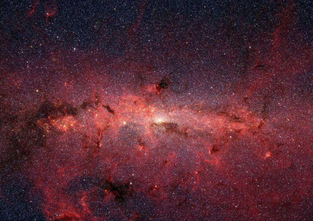 Il centro della Via Lattea immortalato dal telescopio Spitzer
