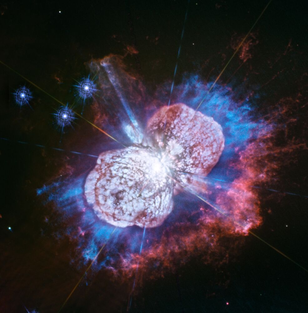 Eta Carinae, la più grande stella della Via Lattea e potenziale distruttrice della vita sulla Terra