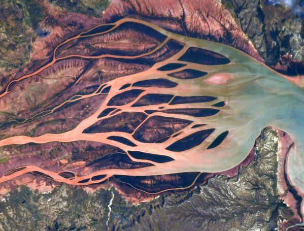 Una vista dallo spazio della foce di un fiume nel nord del Madagascar - Sputnik Italia