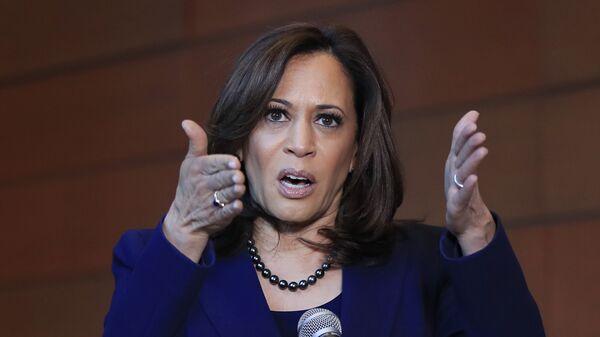La senatrice di California Kamala Harris - Sputnik Italia