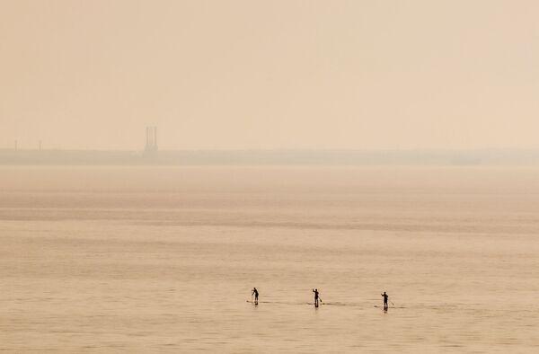 Surfisti nel mare di Cipro. - Sputnik Italia