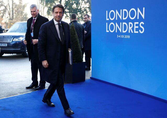Il primo ministro italiano Giuseppe Conte arriva al summit della NATO a Watford (4 dicembre 2019)