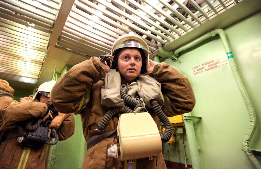 L'addestramento del personale militare a bordo del Pyotr Velikiy