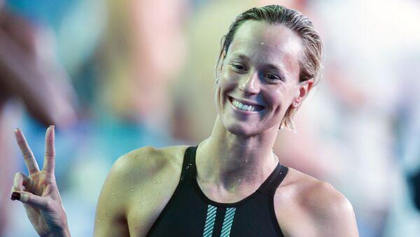Federica Pellegrini sorridente dopo la vittoria  - Sputnik Italia