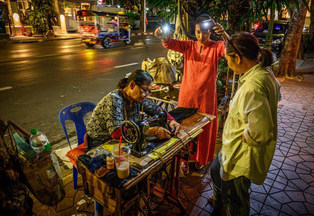 Una sarta di strada a Bangkok, in Thailandia.