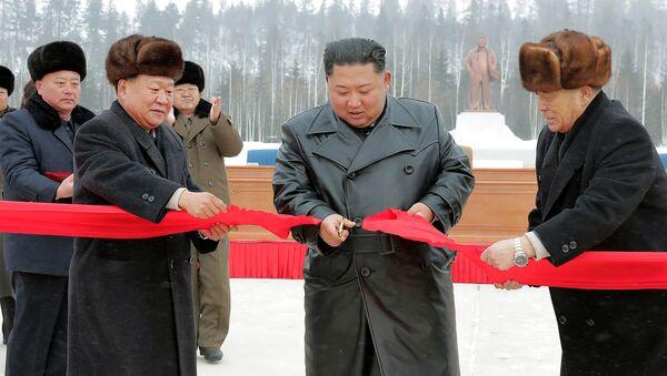 Kim-city, il leader nordcoreano inaugura la città ideale di Samjiyon - Sputnik Italia