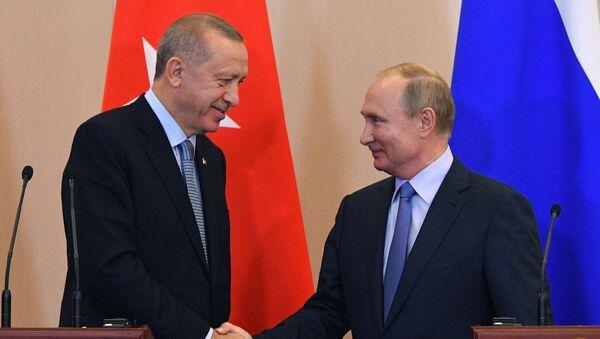 Il presidente turco Recep Tayyip Erdogan e il presidente russo Vladimir Putin - Sputnik Italia