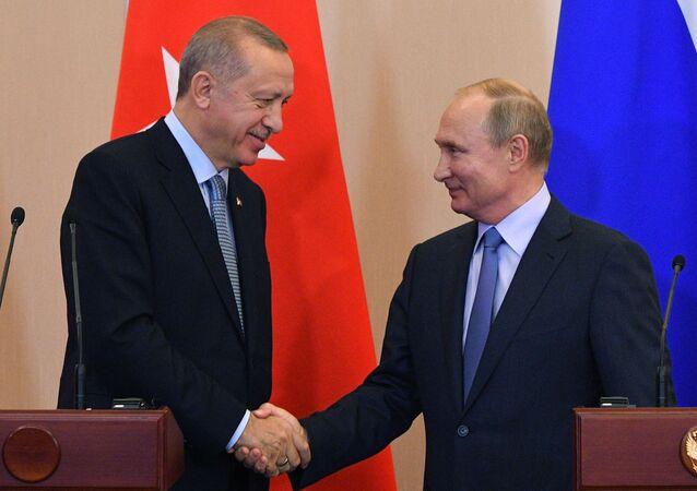 Il presidente turco Recep Tayyip Erdogan e il presidente russo Vladimir Putin
