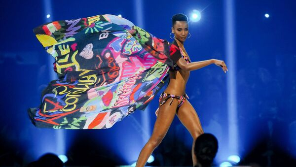 Zozibini Tunzi è una modella sudafricana, che ha vinto il titolo di Miss Universo 2019 - Sputnik Italia