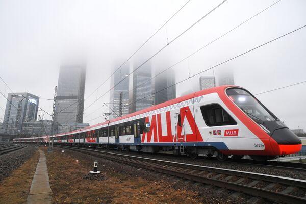 Un treno di superficie della rete metropolitana di Mosca - Sputnik Italia