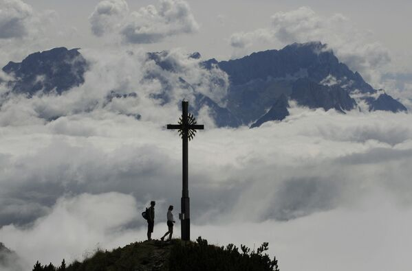 Vista dall'alto della montagna di Hoher Fricken (1.940 metri) in Germania  - Sputnik Italia