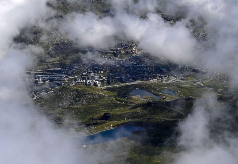 Vista sulla stazione climatica di sport invernali di Val Thorens nelle Alpi francesi