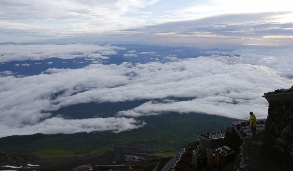Un paesaggio dal Monte Fuji, il più alto in Giappone, nella città di Fujiyoshida