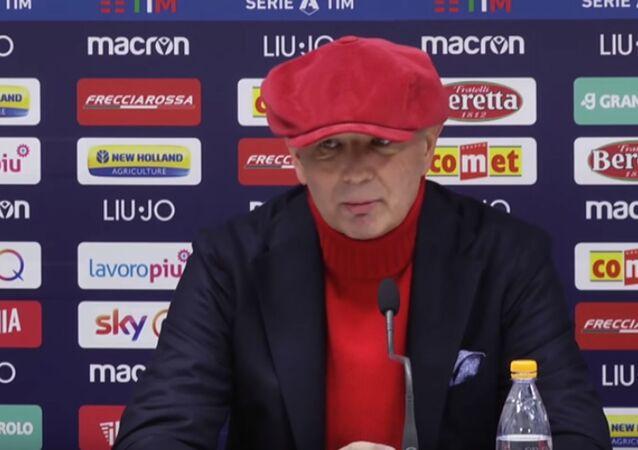 Sinisa Mihajlovic in conferenza stampa a Bologna