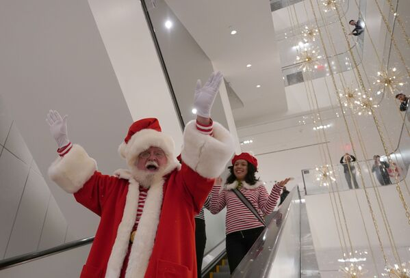 Santa Claus nel negozio Nordstrom a New York. - Sputnik Italia