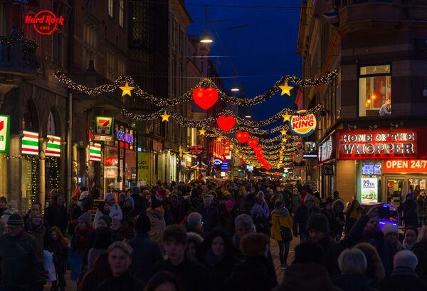 Kopenhagen decorata per il Natale. - Sputnik Italia